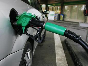 Araç sahipleri dikkat! Benzine 13 kuruş zam yapıldı